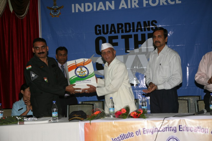 AIR-Force_Student_IInteractive_Drive-Essay_Contest.