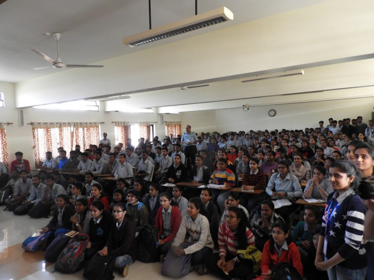 Students Partcipation in the Indian Air Force Motivational talk