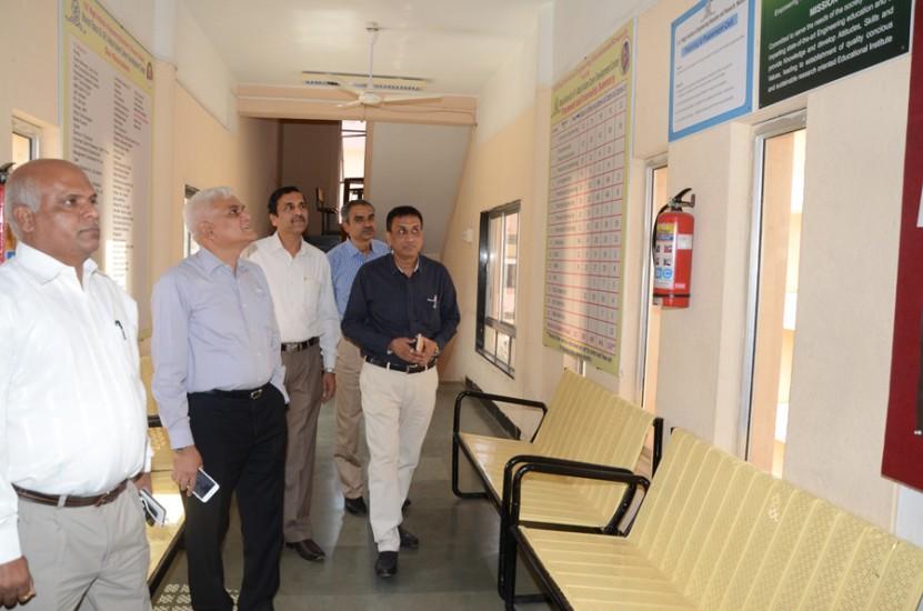 Visit of Shri Kishor Patil, CEO, KPIT Technologies to Dr A P J Abdul Kalam Career Developement Center